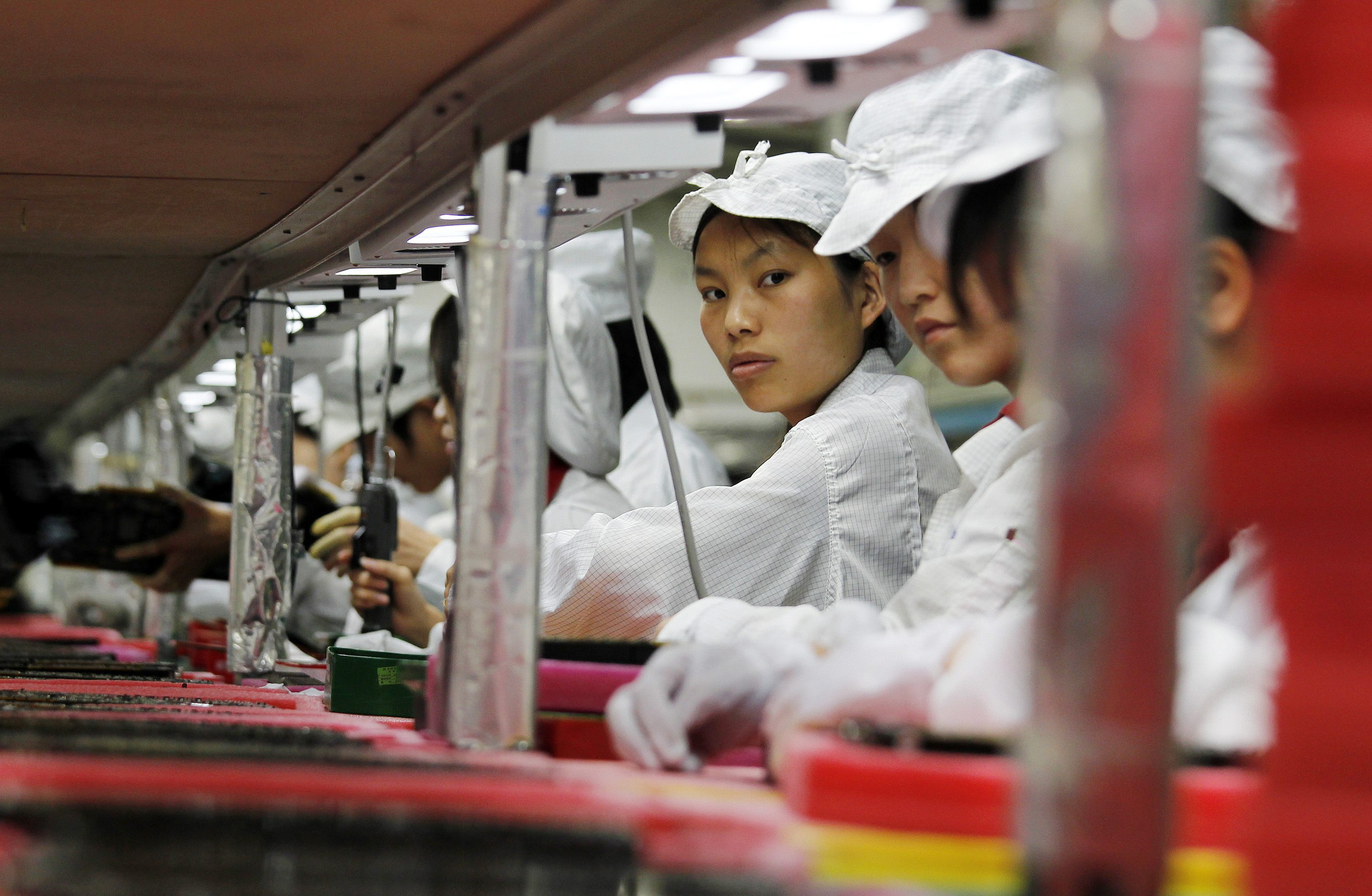 an introduction to the history of manufacturing and industry in china The history of the automobile begins with the technological breakthroughs that occurred in europe during the early 1800's and continues a century later with the pioneering efforts of american manufactures to begin mass-producing cars the world economic downturn leading up to world war ii led to.